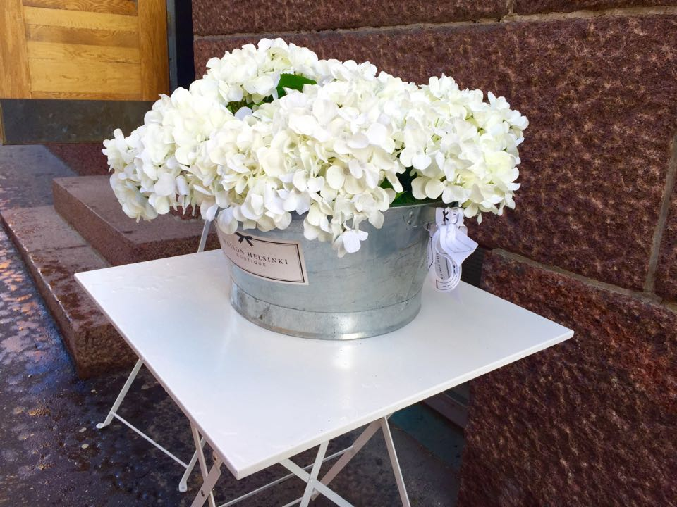Kukka-asetelma, Anu Pellas